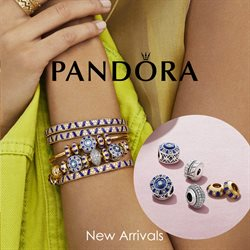 Offers from Pandora in the Singapore leaflet