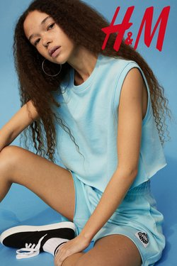 Clothes, shoes & accessories offers in the H&M catalogue ( More than a month)